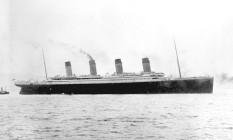 Imagem do navio britânico Titanic ao deixar o porto de Southampton, iniciando sua viagem inaugural em 10 de abril de 1912 Foto: Coleção Frank O. Braynard/AP