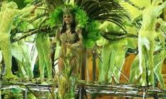 Graciele desfila como destaque em um dos carros da Imperatriz Foto: Guilherme Leporace/O Globo