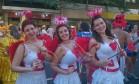 Ursulla Janes, Vanessa Miranda e Beatriz Almeida fazem Operação Cupido, no bloco Foto: Cissa Loureiro / Agência O Globo