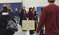 Novos eleitores fazem fila: o senador Bernie Sanders arrebatou a maioria deles entre os democratas Foto: GRETCHEN ERTL / REUTERS