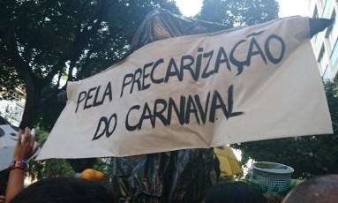 """No cortejo do Grêmio Ratos e Urubus Larguem a Minha Fantasia, a mensagem era contra a """"gourmetização"""" Foto: Clarissa Stycer"""