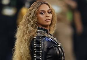 Beyoncé durante sua apresentação no intervalo do Super Bowl, em fevereiro Foto: EZRA SHAW / AFP