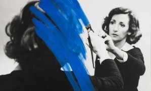 A artista portuguesa Helena Almeida ganha exposição com retrospectiva de suas obras em Paris Foto: Divulgação