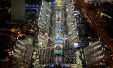 Vista aérea do desfile da Portela Foto: Fernando Maia / Riotur