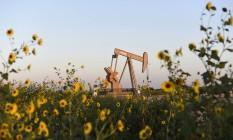 Extração de petróleo em Guthrie, Oklahoma Foto: NICK OXFORD / REUTERS