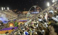 A cada noite de desfile do Grupo Especial, cerca de 120 mil pessoas circularam pela Sapucaí, entre público, integrantes de escolas de samba e credenciados para trabalho Foto: Alexandre Macieira / Divulgação Riotur