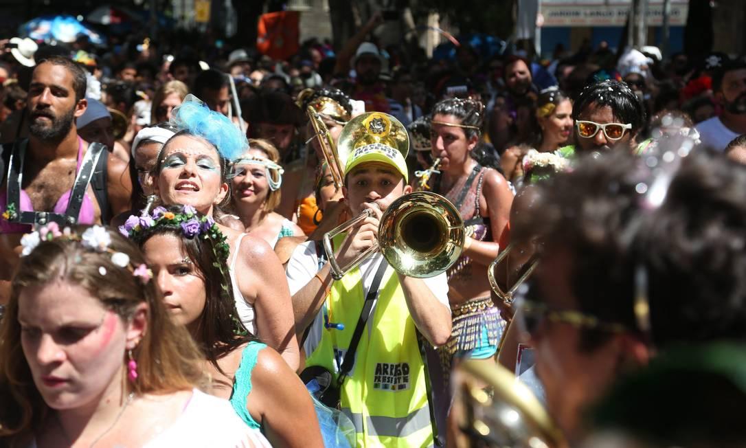 As ruas da Zona Sul ficaram coloridas com o desfile das Mulheres Rodadas Custódio Coimbra / Agência O Globo