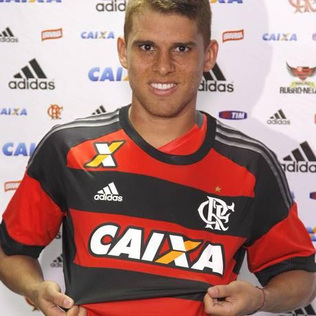 Cuellar no dia da apresentação dele ao Flamengo, no fim de janeiro Foto: Gilvan de Souza / Agência O Globo