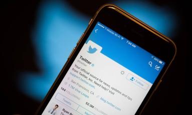Mudança deixará a 'timeline' do Twitter similar à do Facebook Foto: Michael Nagle / Bloomberg