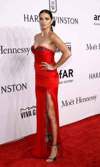 Adriana Lima: a deusa de vermelho ANDREW KELLY / REUTERS