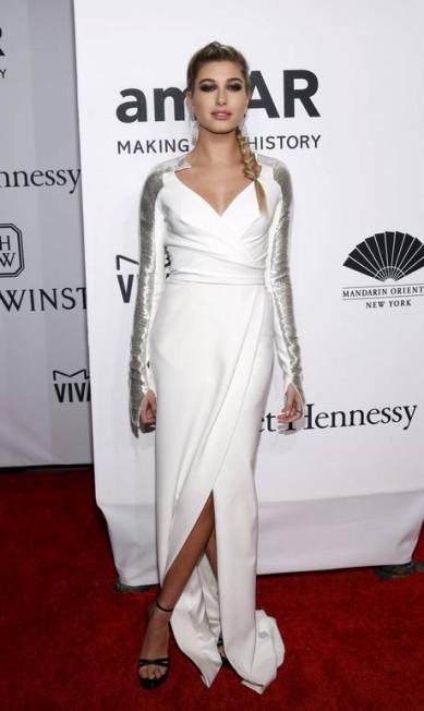 A namorada de Justin Bieber, Hailey Baldwin, vestiu Pamella Roland ANDREW KELLY / REUTERS