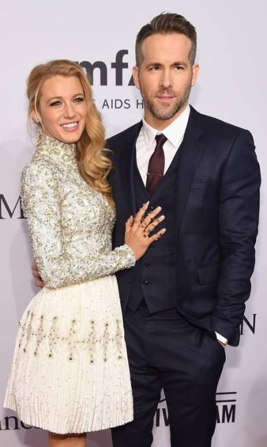Blake Lively foi acompanhada do marido, o tambÉm ator Ryan Reynolds Michael loccisano / AFP