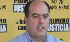 Julio Borges, durante a campanha para o Parlamento, em 2015 Foto: El Nacional