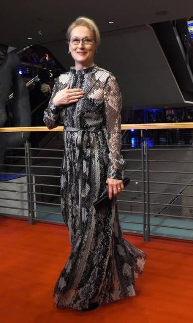 O look de Meryl Streep, a presidente do júri do festival TOBIAS SCHWARZ / AFP