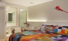 Estrela. No projeto assinado por Patrícia Landau e Carolina Escada, o pixel aparece na roupa de cama e na poltrona Foto: Divulgação