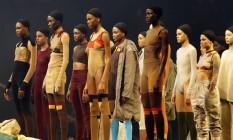 Modelos da Yeezy, no Madison Square Garden Foto: Bruce Barton / AP