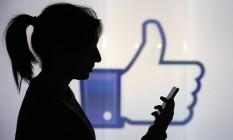 Novos recursos pretendem unir todas as formas de mensagens no Messenger Foto: Chris Ratcliffe / Bloomberg
