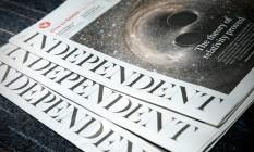 """Cópias do jornal britânico """"The Independent"""", que deixará de circular em papel em março Foto: ADRIAN DENNIS / AFP"""