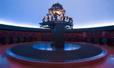 O projetor alemão Starmaster é o responsável por promover o espetáculo no Planetário do Ibirapuera Foto: Edilson Dantas / O Globo