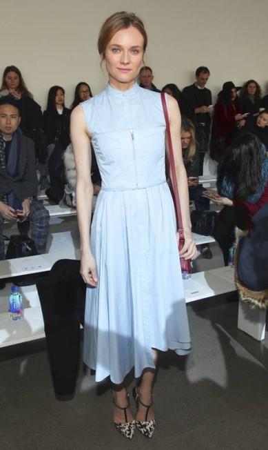 Diane Kruger, estrela de cinema, fashionista e amiga de Karl Lagerfeld, o estilista das grifes Chanel e Fendi Andy Kropa / Andy Kropa/Invision/AP