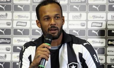 Novidade. Bruno Silva promete fazer a torcida do Botafogo esquecer Willian Arão, que foi para o Flamengo Foto: Vitor Silva/SS Press