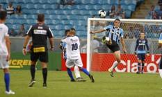 O Grêmio de Pedro Geromel não resistiu ao São José Foto: Divulgação