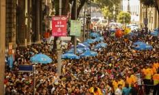 Bloco das Poderosas reúne multidão no Centro do Rio Foto: Guilherme Leporace / Agência O Globo