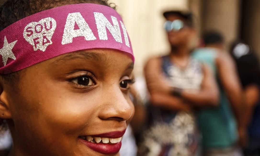 Fã mirim de Anitta marca presença em bloco Guilherme Leporace / Agência O Globo
