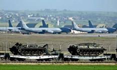 Base aérea de Incirlik, na Turquia, receberá aviões de guerra sauditas que podem operar contra o Estado Islâmico Foto: Basri Bas/AFP