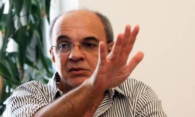 O presidente do Flamengo Eduardo Bandeira de Mello ironizou o Eurico Miranda dizendo que não fala russo Foto: Paulo Nicolella / Extra