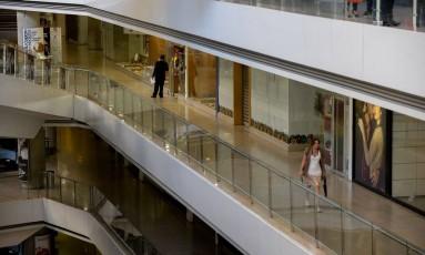 Shoppings centers venezuelanos enfrentam racionamento de energia imposto pelo governo Foto: FEDERICO PARRA / AFP