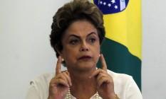 Presidente Dilma Rousseff, em 18 de dezembro, durante solenidade de assinatura da medida provisória que trata do acordo de leniência Foto: Givaldo Barbosa / Agência O Globo
