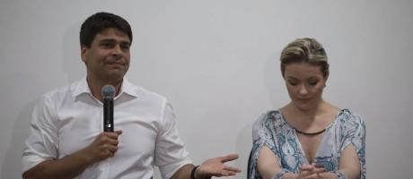 Entrevista coletiva de Pedro Paulo, em novembro de 2015, sobre as agressões a ex-mulher Alexandra Marcondes Teixeira Foto: Alexandre Cassiano / Agência O Globo