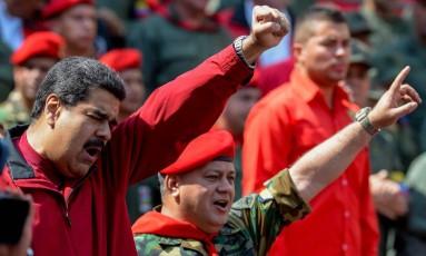 Maduro e Diosdado Cabello, ex-presidente da Assembleia Nacional venezuelana e número 2 do regime chavista: censura aos meios de comunicação Foto: FEDERICO PARRA/AFP