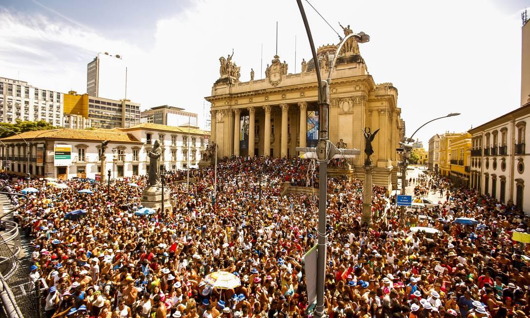 Aproximadamente 400 mil pessoas participaram do desfile do Monobloco Guilherme Leporace / Agência O Globo