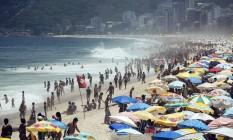 Cariocas aproveitao o sol no primeiro domingo pós-carnaval Foto: Ana Branco / Agência O Globo