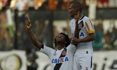 Rafael Vaz comemora o gol da vitória do Vasco sobre o Flamengo Foto: Agência O Globo