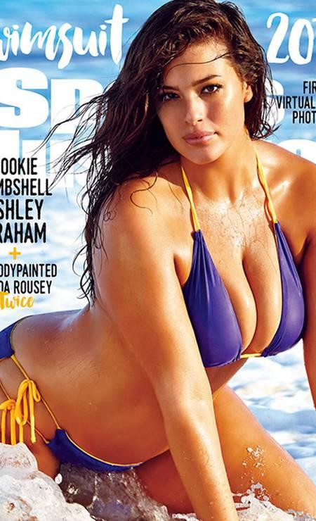 """Ashley Grahan, uma das mais famosas modelos plus-size do mundo, está fazendo história com suas curvas. Ela é a primeira do gênero a aparecer na famosa Swimsuit Issue, da revista """"Sports Illustrated"""" Foto: Divulgação"""