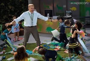 Dolph Lundgren em 'Um tira no jardim de infância 2 Foto: Reprodução