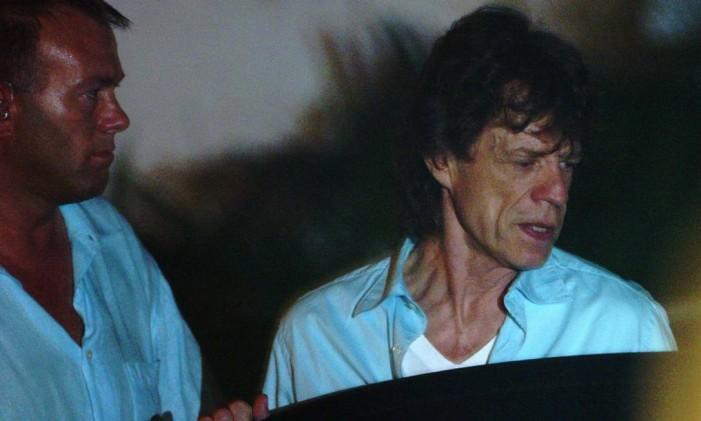 Jagger deixa a boate 00 Foto: André Coelho / Arquivo