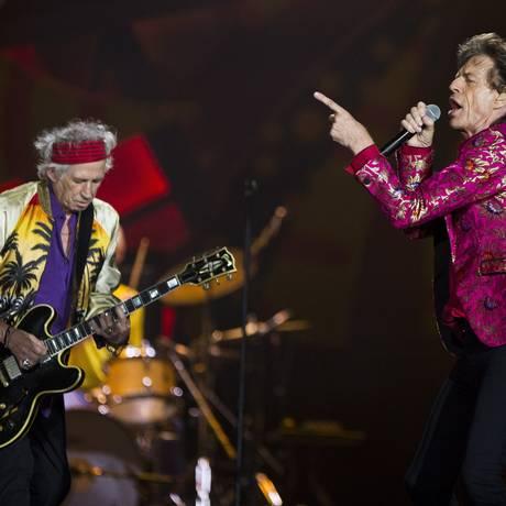 Mick Jagger e o guitarrista Keith Richards Foto: Guito Moreto / Agência O Globo