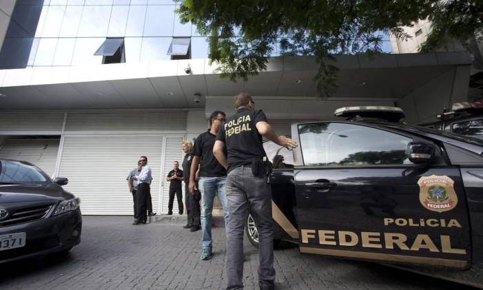 Polícia Federal declarou a prisão preventiva de João Santana e está apreendendo documento e computadores de empresas envolvidas no esquema de corrupção. Foto: Márcia Foletto / Agência O Globo