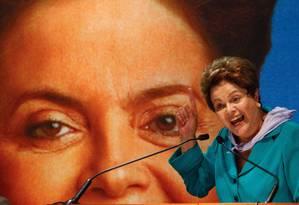 Foto de arquivo do fim de agosto de 2014 de Dilma Rousseff em campanha Foto: André Coelho / Agência O Globo