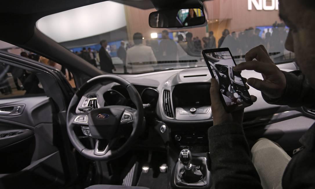 A Ford mostrou o seu sistema mais moderno de entretenimento conectado e direção assistida Francisco Seco / AP
