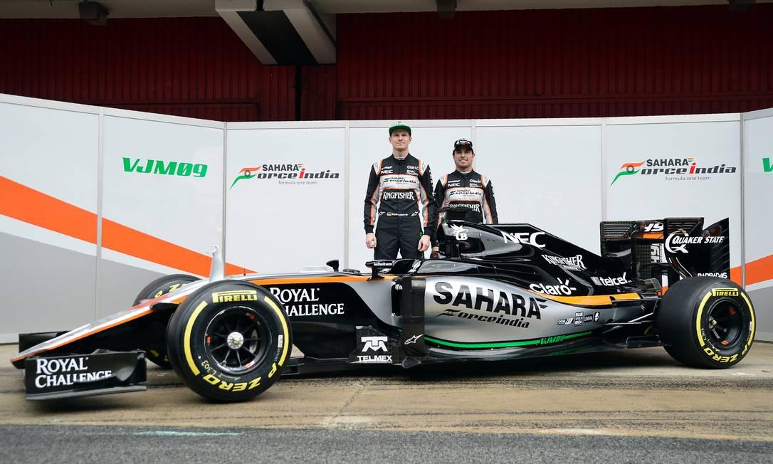 A Force India terá como dupla de pilotos neste ano o mexicano Sergio Perez e o alemão Nico Hulkenberg JOSE JORDAN / AFP