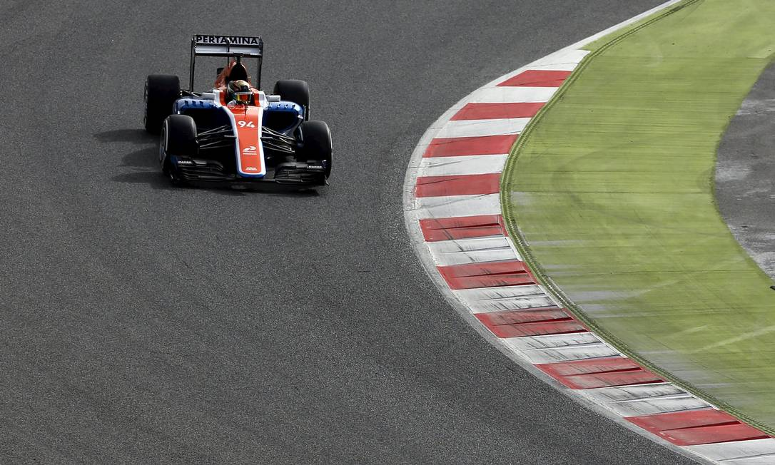 Pior equipe da F-1 na temporada passada, a Manor foi para os testes na Catalunha com um piloto estreante, o alemão Pascal Wehrlein SERGIO PEREZ / REUTERS