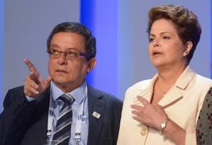 João Santana orienta a presidente Dilma, então candidata à reeleição, antes de debate da TV Globo Foto: Erbs Jr./Frame Photo/AE/02-10-2014