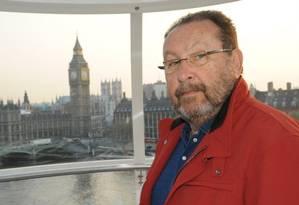 Gosto por viagens. Zwi Skornicki na London Eye, na capital britânica Foto: Reprodução do Facebook