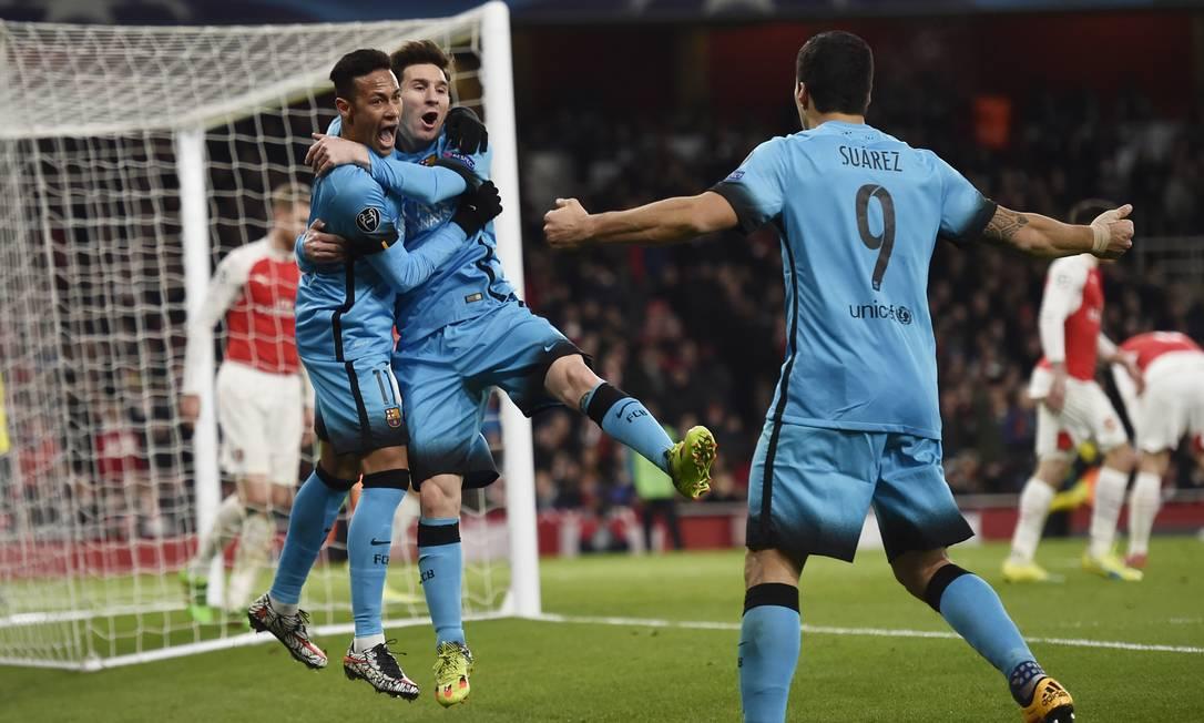 Neymar, Messi e Suarez fizeram a diferença na vitória do Barcelona sobre o Arsenal Toby Melville / REUTERS