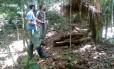 Guardas desmontam barraca no Parque Estadual do Desengano